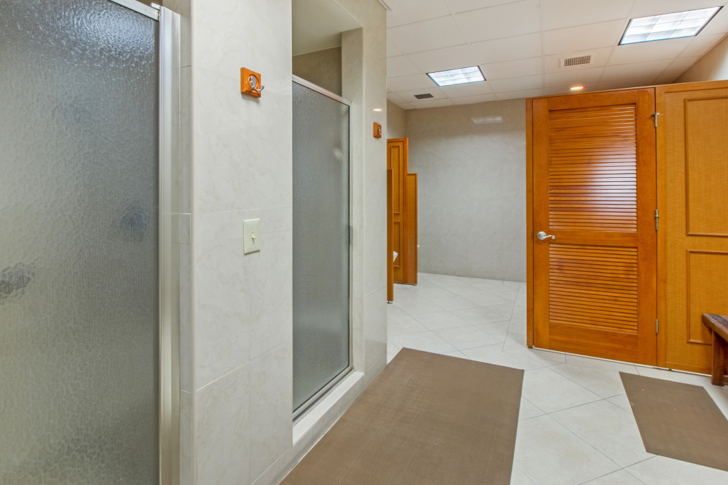 4280_galt_ocean_drive_17d_MLS_HID1096815_ROOMcommonareashowerschangingroom - Copy
