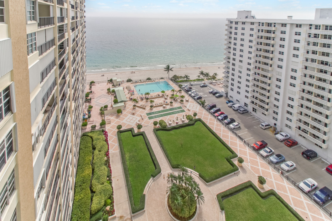 4280_galt_ocean_drive_17d_MLS_HID1096815_ROOMoceanfrontbalconyview